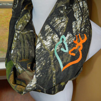 MossyOak Camo Infinity Scarf with Embroidered Doe and Buck Heart - Mint/Orange