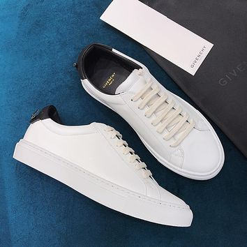 Givenchy Classic color matching small white shoes-3