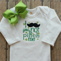 St Patricks Day Bodysuit - Baby Girls - Outfit - Bow - Baby Shower Gifts - Mustache - St Patty's Clothing - Pinch Me - Embroidered Clothing