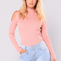 Carolina Cold Shoulder Sweater - Mauve
