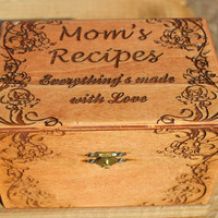 Personalized recipe box,  Mom's recipe box,  custom recipe box,  engraved gift,  gift for Mom,  Mothers's Day gift,  gift for bride