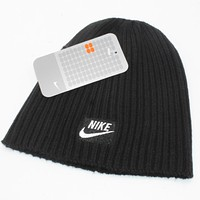 NIKE New fashion winter embroidery letter knit wool cap couple keep warm hat Black