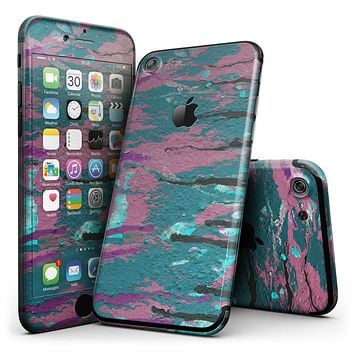 Abstract Retro Pink Wet Paint - 4-Piece Skin Kit for the iPhone 7 or 7 Plus