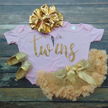 Pink Twins Bodysuit Set - Sisters Outfit - Coming Home Outfit Pregnancy Announcement/Gender Reveal - Gold Glitter -  Ann Marie Avenue