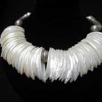 White mother of pearl necklace, handmade beaded wedding choker of mother of pearl and Thai silver, finished with a magnetic clasp.