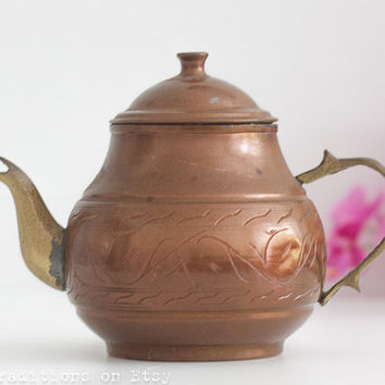 Moroccan Copper Teapot: Vintage Mediterranean Teapot with Engraved Decorations, Metal Teapot, Middle Eastern Style Decor