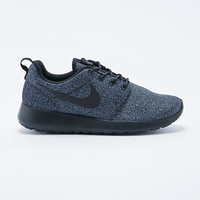Nike Roshe Run Hype Trainers in Black - Urban Outfitters