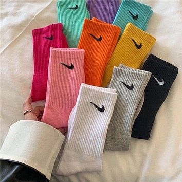 Loewe Nike Fashion Women Personality Breathable Sport Cotton Socks fashion