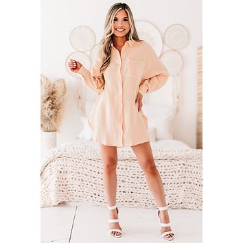 Great Expectations Crinkle Woven Button-Down Tunic Top (Peach)
