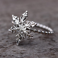 Snowflake Ring, Filigree Snowflake, Sterling Silver Stacking Ring, Winter Jewelry, Frozen Birthday