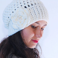 Crochet light beige beanie hat, big crochet flower, woman accessories, crocheted winter wool hat,  fall winter fashion, slouchy ribbed hat