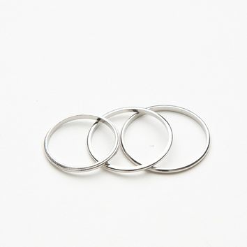 TRIPLE SILVER RING SET