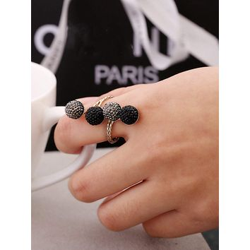 Spiral Design Ring With Rhinestone 1pc