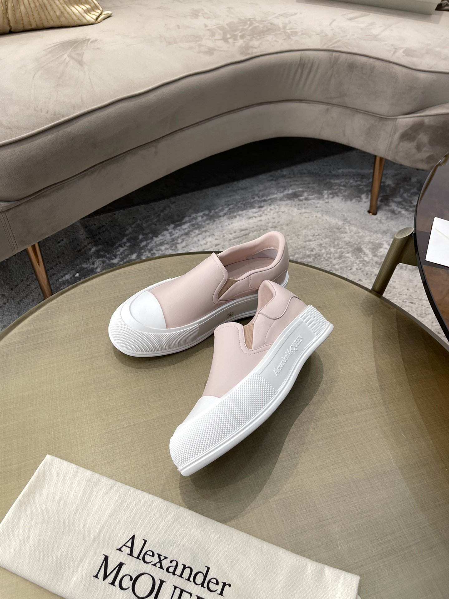 Image of Alexander McQueen Woman's Men's 2021 New Fashion Casual Shoes Sneaker Sport Running Shoes06120yph