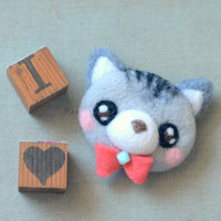 Handmade cat brooch, needle felted grey cat pin, whimsical animal brooch, children jewelry, gift under 25