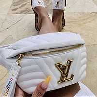 Louis Vuitton LV Fashion Waist Bag Hot Sale Men's and Women's Casual Sports Shoulder Messenger Bag