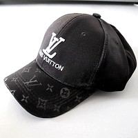 LV street fashion men and women embroidered letters sun hat baseball cap Black