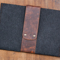 """13"""" MACBOOK Air Case. Macbook Felt case. MacBook case with leather flap and button closure. Dark felt MacBook 13""""  sleeve. Felt MacBook case"""