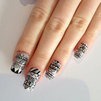 UV Gel Hand painted monochrome Aztec false nail set