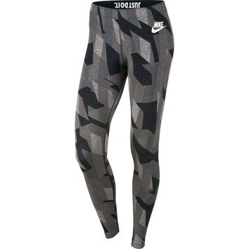 Nike Sportswear Women's Leggings (XS)