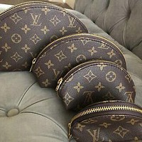 Louis Vuitton LV Hot-selling Four-piece Classic Cosmetic Bag Clutch Bag Fashion Men's and Ladies Clutch Cosmetic Bag