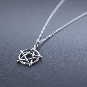 Pentagram Necklace - Halloween Jewelry . Mysticism & Symbols . Wiccan, Pagan . Gift Ideas for Her