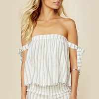 TIE SLEEVE STRAPLESS TOP