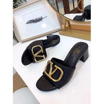 Valentino Popular Summer Women's Flats Men Slipper Sandals Shoes