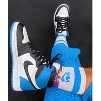 elainse29 NIKE AIR JORDAN 1 High Retro Black Toe Basketball shoes blue tail