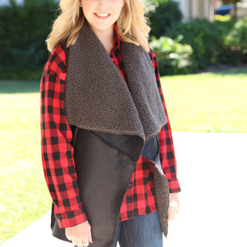 Town and Country Plaid Top - Black and Red