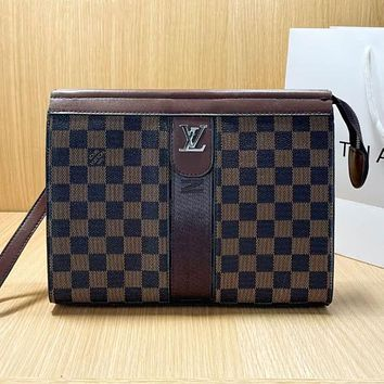 LV Louis Vuitton new product stitching color letter printing ladies envelope bag cosmetic bag clutch Coffee tartan