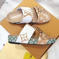 LV Louis Vuitton Hot Selling Casual Ladies Beach Sandals Trendy Parallel Bars Leather Stitching Color Slippers Sandals