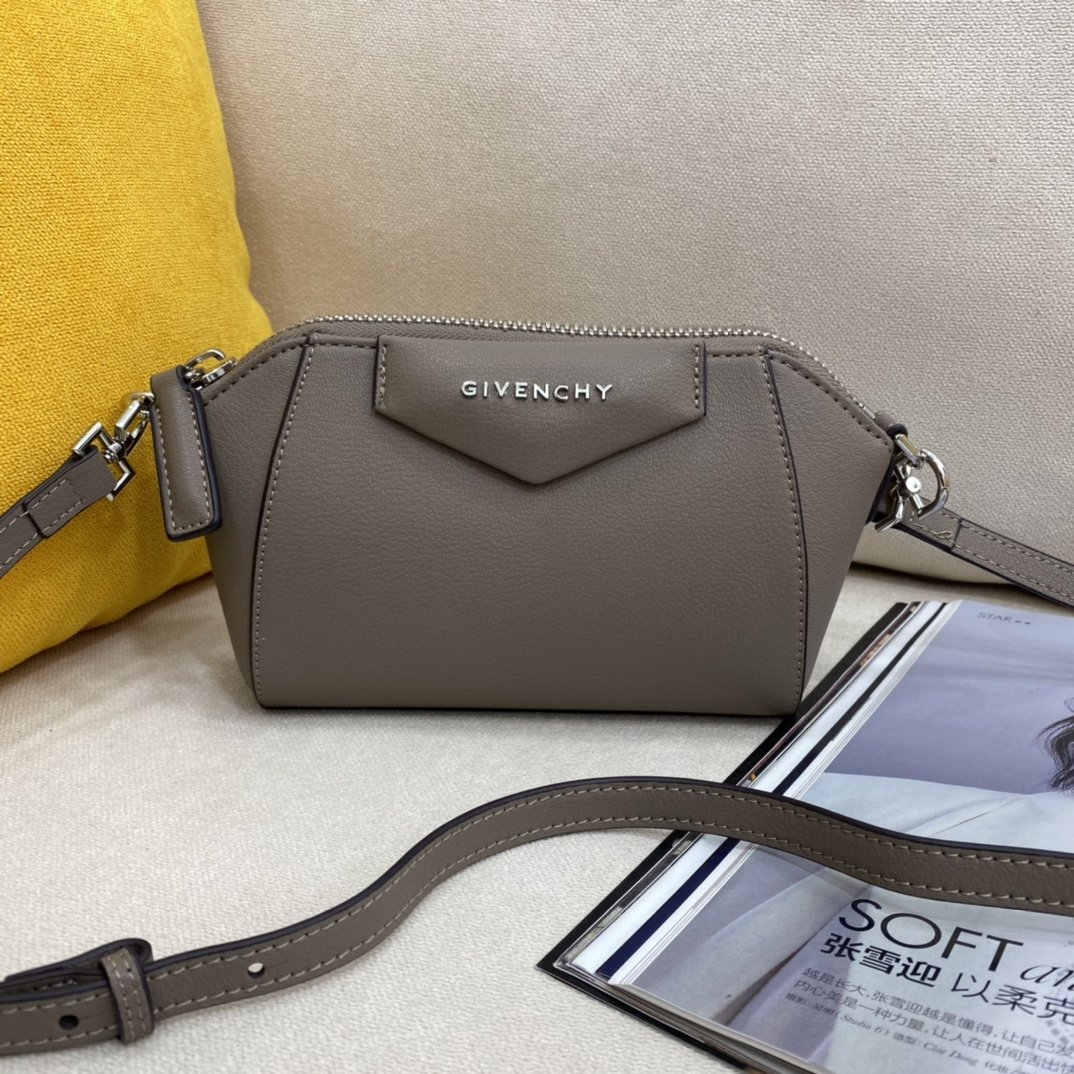 Image of Givenchy  Women's Leather Shoulder Bag Satchel Tote Bags Crossbody18*13*7cm 0416ay