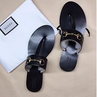 GUCCI Popular T-shaped flat sole flip flops in early spring-18