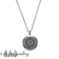 Diffuser Necklace - Bloom