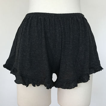 Basic Ruffle Shorts - Charcoal
