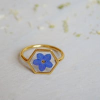 Myosotis ring Hexagonal ring Veritable violet forget me not Resin ring Pressed violet flower Forget me not ring Gold plated Rhodium Romantic