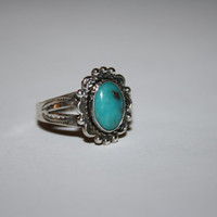 Size 9 Ring Turquoise and Sterling Vintage Ring Size 9 - free ship US