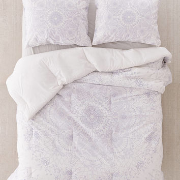 Amalie Medallion Comforter | Urban Outfitters