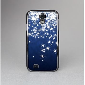 The Glowing White SnowFlakes Skin-Sert Case for the Samsung Galaxy S4