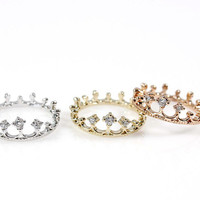 Crown Ring detailed with CZ in 3 colors