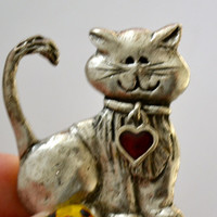 Valentine's Cat Brooch, Antique SilverTone, Animal Brooch, Heart Design, Estate Sale, Item No.613