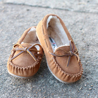 Minnetonka: Girls Cassie Slipper {Cinnamon}