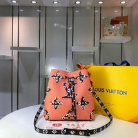 LV Louis Vuitton WOMEN'S MONOGRAM CANVAS NOENEO INCLINED SHOULDER BAG
