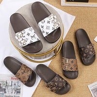 Louis Vuitton LV women's household non-slip bathroom slippers Simple outing soft-soled platform slippers