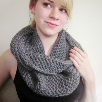 Crochet Heather Gray Scarf Thick Cunky Infinity Circle Cowl Scarf