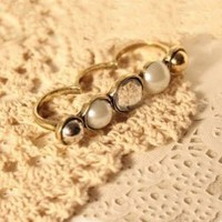 Retro Style and Stylish 5PCS Pearl and Ruby Embellished Finger Rings