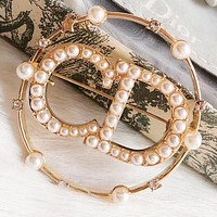 Dior Hot Fashion Lady Pearl Letter Temperament Brooch