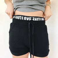 LOVE SWEAT SHORTS- BLK