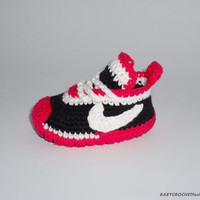 Baby shoes, Knitting, Newborn Baby, Pink and Black Slippers, Girls Newborn Baby ,  Tennis Shoes, Baby Gift,toddlers Baby